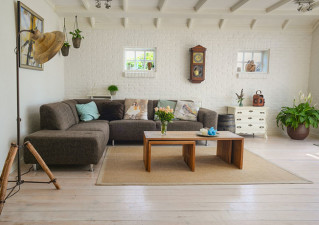 living-room-couch-interior-room-584399-1