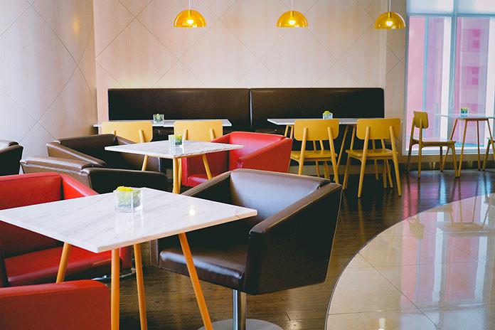 Jaki blat stołowy wybrać, aby nasz lokal był jeszcze piękniejszy
