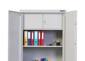 O czym należy pamiętać przy zakupie szaf metalowych?