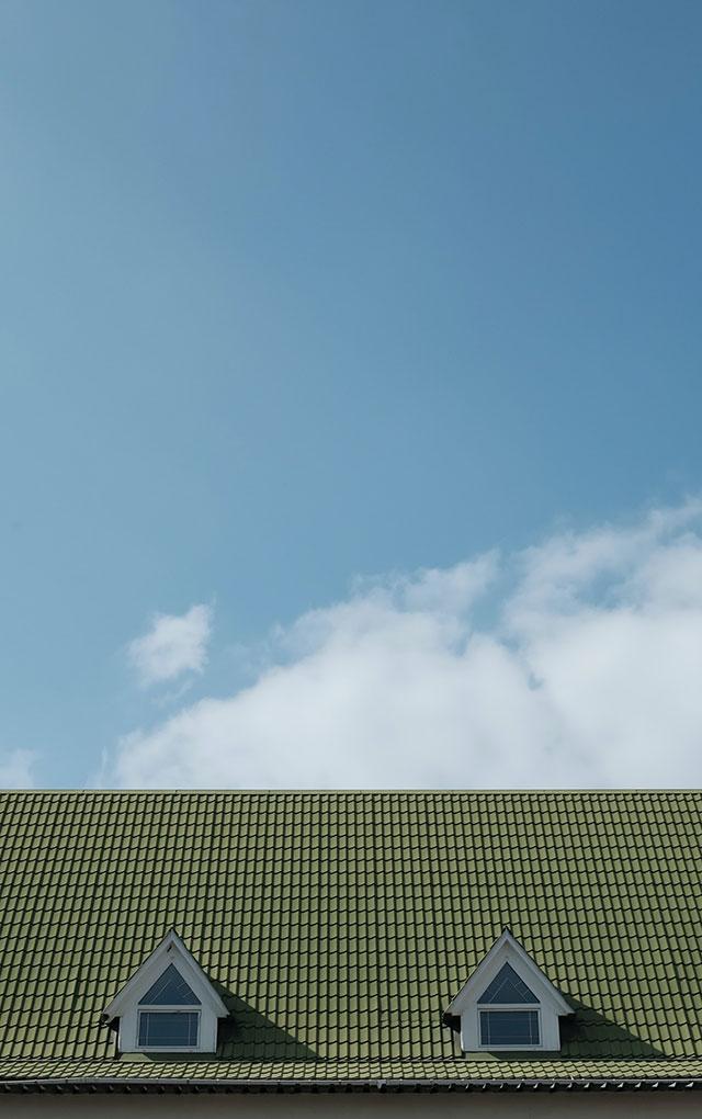 Jak dobrać pokrycie dachowe do budynku